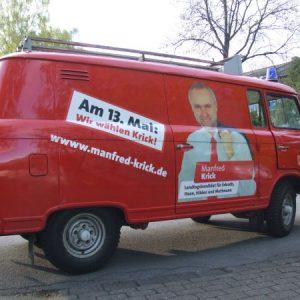 Manfred Krick - mit dem roten Barkas auf Wahlkampftour